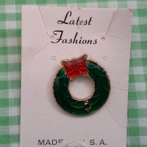 Vintage Christmas Wreath Pin Green with Red